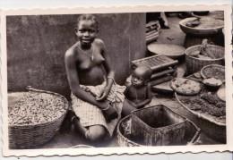 CP Photo Jeune Marchande à Porto Novo   Collection G. LABITTE - Dahomey