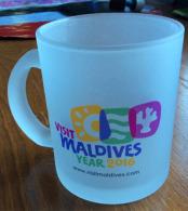 "EXPO UNIVERSELLE MILAN 2015, Tasse  ""Visit Maldives Year 2016"", Offert Aux VIP à L'EXPO - Cups"