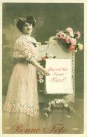 Bonne Fête  Aujourd'hui Saint Paul  Jeune Femme Avec Fleurs  Cpa - Nomi