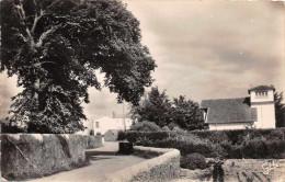ILE DE NOIRMOUTIER  - La Gueriniere - Une Ruelle ( Années 50) - Ile De Noirmoutier