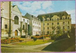 94 °° Villejuif - Square Mairie Eglise - Dentelée écrite 1971 ° T-P - Villejuif