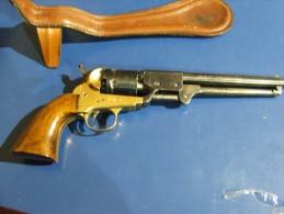 Revolver Colt Navy Poudre Noire Fabrication Italie - Sports