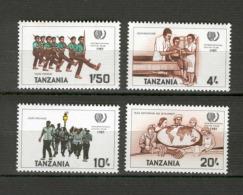 Tanzania 1985 International Youth Year MNH (R0263) - Tanzania (1964-...)