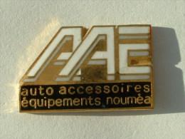 Pin´s AUTO ACCESSOIRES EQUIPEMENTS - NOUMEA - Badges