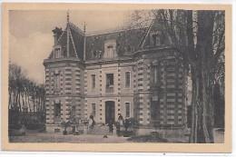 LONGUEVILLE - Le Château De Besnard Près Du Viaduc - Frankrijk