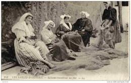 85 Sables D´Olonne Sablaises Travaillant Au Filet--LL  168-Femmes Au Travail Gros Plan Très Animé - Sables D'Olonne