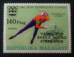 VAINQUEURS AUX JEUX OLYMPIQUES D'HIVER - SURCHARGE NOIRE 1976 - NEUF ** - YT 599 - MI 804 - Madagascar (1960-...)