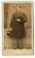 RARE Et ORIGINAL-Portrait Du Photographe P. DUBURGUET Nom Dans La Photo- Par Lorans Paris, De Passage En Cette Ville - Photos