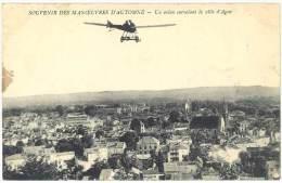 Souvenir Des Manoeuvres D'automne - Un Avion Survolant La Ville D'Agen - Agen