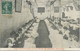 80 - Hallencourt : Usine ; Un Atelier De Broderie Mécanique . - France