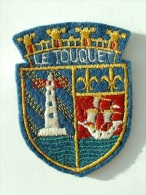ECUSSON TISSUS BRODE  - LE TOUQUET - PAS DE CALAIS - Blazoenen (textiel)