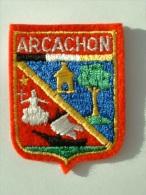 ECUSSON TISSUS BRODE  - ARCACHON - AQUITAINE - Patches