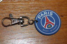 "Beau Porte-clés Football 2013 ""Paris - Saint Germain"" French Soccer - Porte-clefs - Schlüsselanhänger"