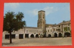47 - Castillonnès - Place Du Marché - église XIII E     ----- 334 - France