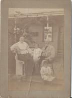 Photographie Montée Sur Carton/Grands Parents Avec Leurs Petits Enfants?/Dédicacée En Espagnol/1898  PHN91 - Dédicacées
