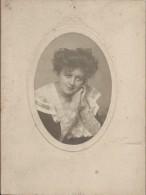 Photographie Anglaise/Montée Sur Carton/Jeune Femme élégante En Buste/Manchester/GB//Vers 1900-1910  PHN94 - Anonyme Personen