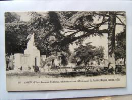 47## AGEN: Place Armand Fallières, Monument Aux Mort Pour La Patrie                CPA - Agen