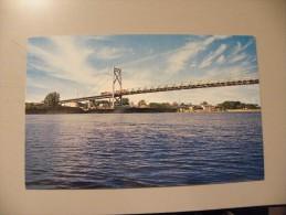 A343.  CPA. CLINTON,IOWA. Gateway Bridge Crossing The Mississippi River.  Beau Plan . Ecrite - Etats-Unis