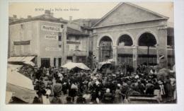 Boen La Halle Aux Grains ( Montbrisson )  CPA Loire 42 - Montbrison