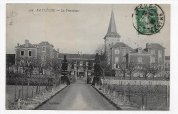 LA FLECHE EN 1910 - N° 323 - LA PROVIDENCE AVEC PERSONNAGES - BEAU CACHET - CPA VOYAGEE - La Fleche