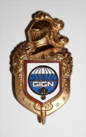 INSIGNE : PUCELLE DU GROUPE D´INTERVENTION DE LA GENDARMERIE NATIONALE (GIGN) - Police & Gendarmerie