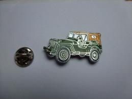 Superbe Pin's En EGF , Armée Militaire , Jeep US , Débarquement Juin 44 Normandie - Armee