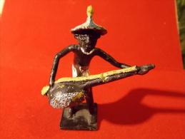 Art Africain Musicien Laiton Peint Main ? Mali ? Instrument à Cordes Petite Statue, Figurine, Artisanale ? - African Art