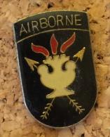 MILITAIRE AIRBORNE - Militari