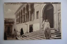 CPA TUNISIE TUNIS. Entrée De La Grande Mosquée. Carte Animée. - Tunisie