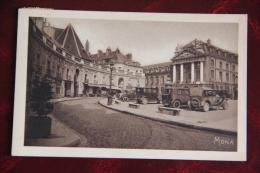 DIJON - La Place D'ARMES - Dijon