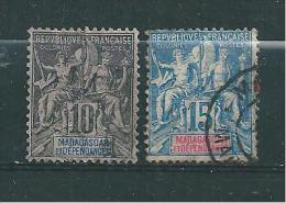 Colonie   Madagascar Timbres De 1896/99  N°32 Et 33  Oblitéré - Madagascar (1889-1960)
