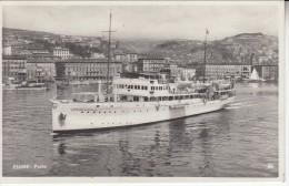 AK--HRVATSKA   RIJEKA  -FIUME   VUJA   SHIP  LORENZO  MARCELLO - Croazia