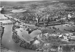 54 - NEUVES MAISONS : Vue Aérienne Sur Les Usines, Les Bords De La Moselle Et Les étangs - Neuves Maisons