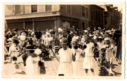 51 EPERNAY - CARTE PHOTO - Défilé D'enfants Dans La Rue Cpa Marne - Epernay