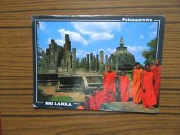 Sri Lanka    ( Ceylon )              Polonnaruwa        Temple   Moines      Timbres Oiseaux    Carte 17x 12 - Sri Lanka (Ceylon)