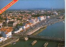 St-Gilles-Croix-de-Vie.. Belle Vue Aérienne Le Quai Du Port Fidèle Le Pont Sur La Vie - Saint Gilles Croix De Vie