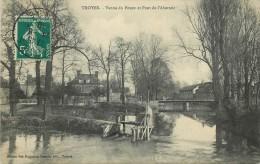 10 TROYES Vanne Du Pouce Et Pont De L'abattoir - Troyes