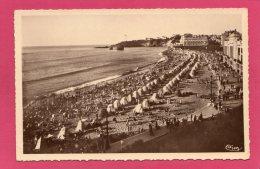 64 PYRENNEES-ATLANTIQUES  BIARRITZ, Vue Sur La Grande Plage, Côte Basque, 1939, Animée, (Combier, Macon) - Biarritz