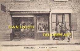 38 ---  MORESTEL   Maison F MERLIN, Chapellerie   ANIMEE - Morestel