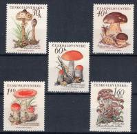 TCHECOSLOVAQUIE - CHAMPIGNONS - N°984/88  **  (1958) - Paddestoelen