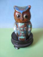 Figurines Grandeur 6 Cm Socle Compris  Faience ? Oiseaux Hiboux Figurine Hibou Chouette Rapace - Birds - Owls