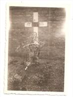 Photographie Militaria Tombe Soldat Nommé 2e Régiment Algériens Photo 6x8,4 Cm Env - Guerre, Militaire
