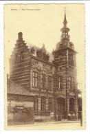 Gierle - Het Gemeentehuis Met Volk - Lille