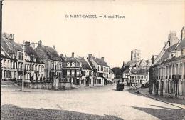 NORD  59    MONT CASSEL    GRAND'PLACE - Cassel