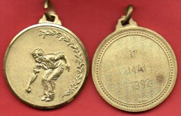 Medaille BOULE PETANQUE  Métal Doré - Bowls - Pétanque