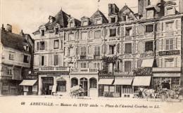 ABBEVILLE Maison Du 17ème Siècle Place De L'amiral Courbet - Abbeville