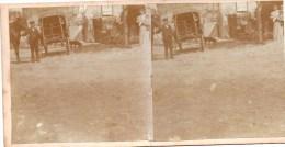Stereofoto - Familie Mit Pferd, Fuhrwerk Kind Und Hund Vor Haus - Unbekannt Ca 1880 - Stereoscoopen