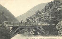 31-425  CPA   VAL D ARAN Le Pont Du Roi  Frontière D'espagne  Animation       Belle Carte - France