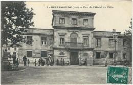 Gard : Bellegarde, Vue De L'Hotel De Ville, Animée - Bellegarde