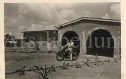 Photo Ancien / Belgisch-Congo / Congo Belge / 1953 / Lubumbashi / Elisabethville / Motorcycle / Moto - Africa